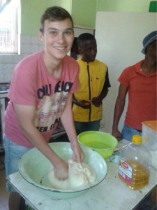 ydc international volunteer programme - volunteer working in kitchen